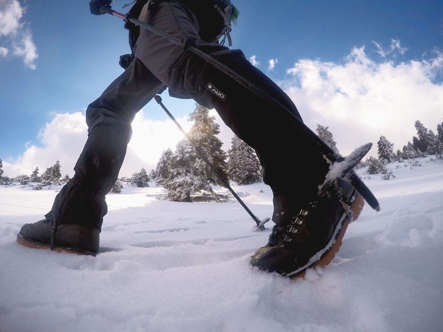 Πεζοπόρος σε εκδρομή στη Δίρφη βουνό Εύβοιας