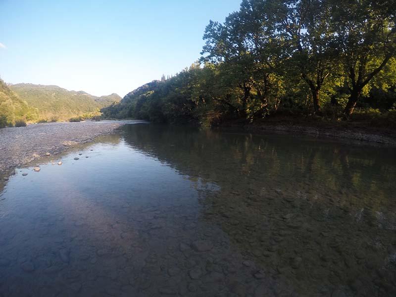 Περπάτημα στο ποτάμι